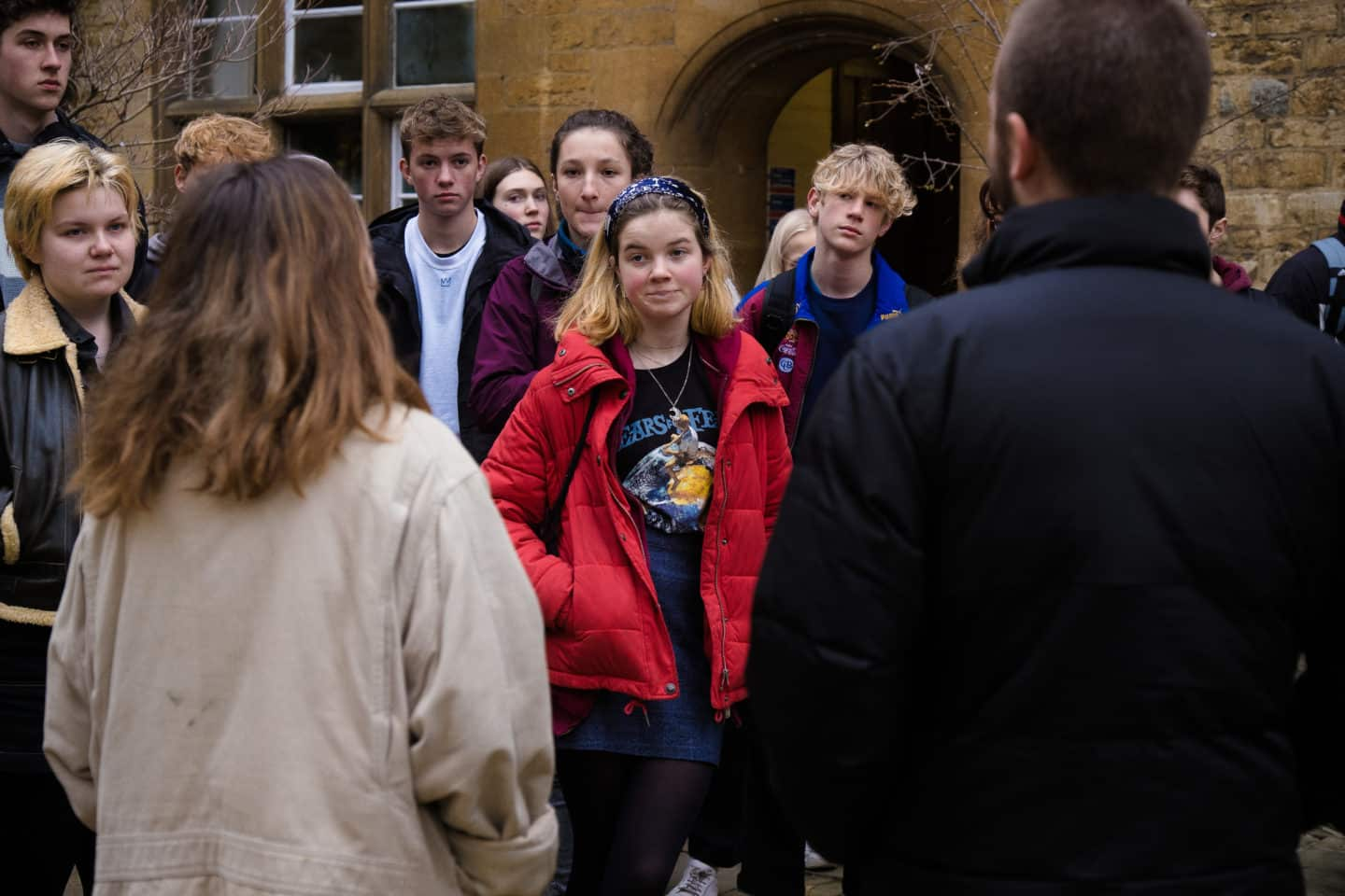 Lincoln students give school group a tour of Lincoln College